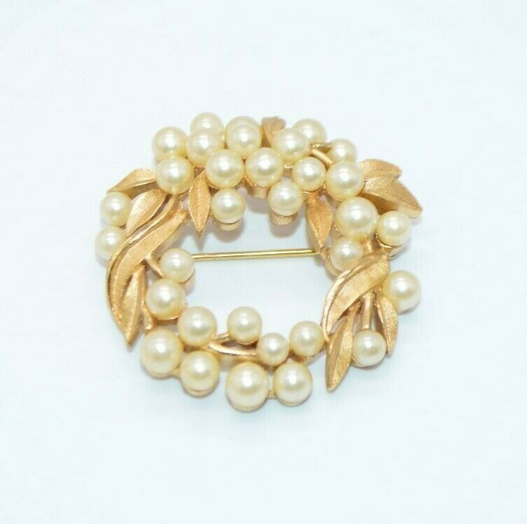 Primary image for 1950's CROWN TRIFARI Signed Faux Pearl Wreath Flower Brooch Pin