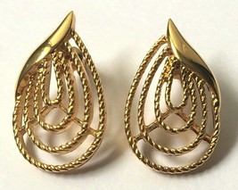 Vintage Trifari Gold Tone Leaf Earrings Signed Pierced Shiny Textured Large - $8.37