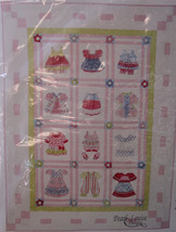 "Pattern Doll Clothes Look Quilt 59"" x 83"" finis... - $8.99"