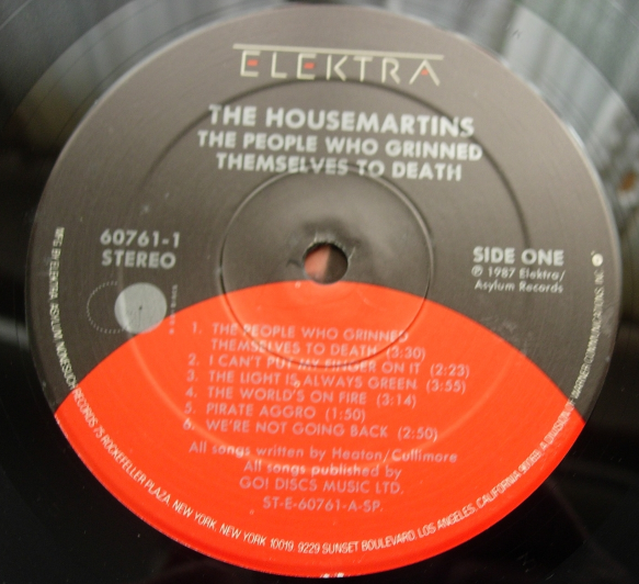 HOUSE MARTINS - People Who Grinned Themselves to Death - Elektra 60761-1
