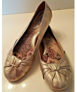 BORN Women's Slip On Leather Uppers Flats Shoes Size 9.5 Bronze - $19.99