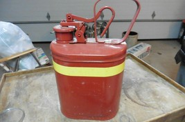 Vintage Eagle 1 gallon metal Gas can 1401  - $29.70