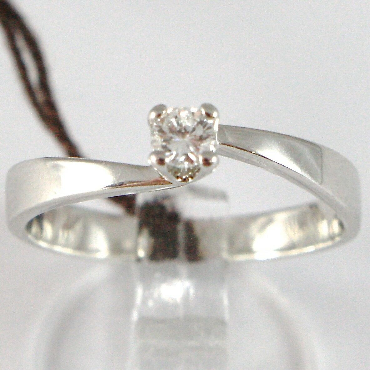 WHITE GOLD RING 750 18K, SOLITAIRE, SQUARED CRISS CROSSED, DIAMOND, CT 0.10