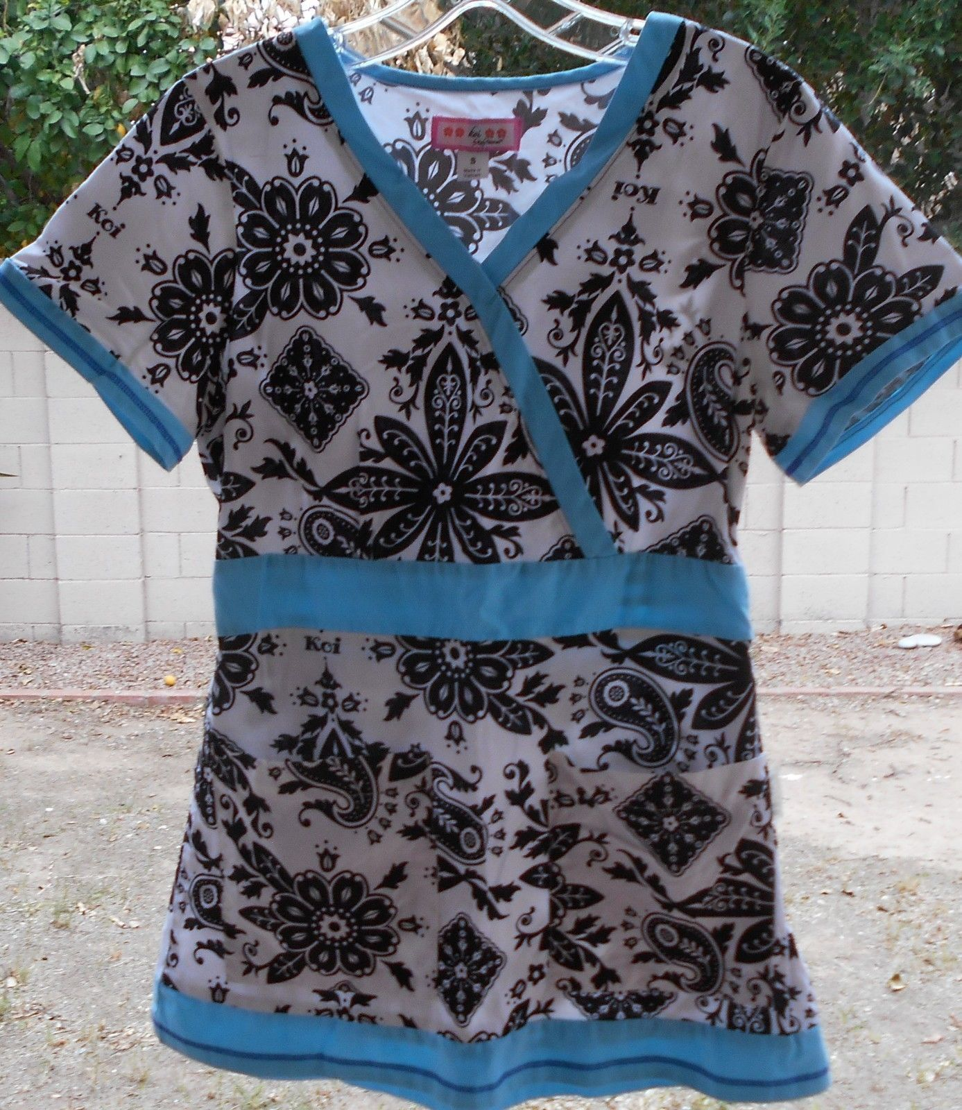 e0680156be5 Koi By Kathy Peterson Scrub Top Shirt Size and 50 similar items