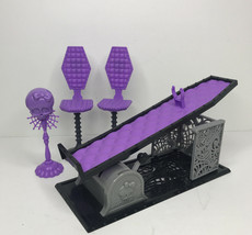 Monster High Doll 4 Piece Lot Dollhouse Furniture Elevation Table & Chairs - $15.79