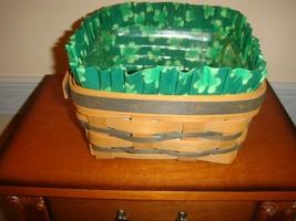 Longaberger 1997 Medium Berry Green Basket With Shamrock Liner - $26.99