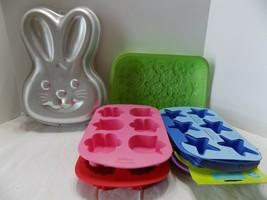 5 Wilton Silicone Muffin 6 Cavity Cupcake Treat Pans & Bunny Cake Pan  E... - $16.83