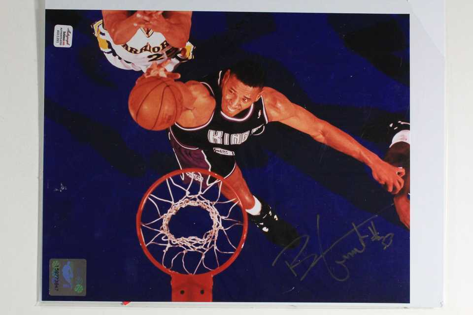 Primary image for Brian Grant Signed Autographed Glossy 8x10 Photo - Sacramento Kings