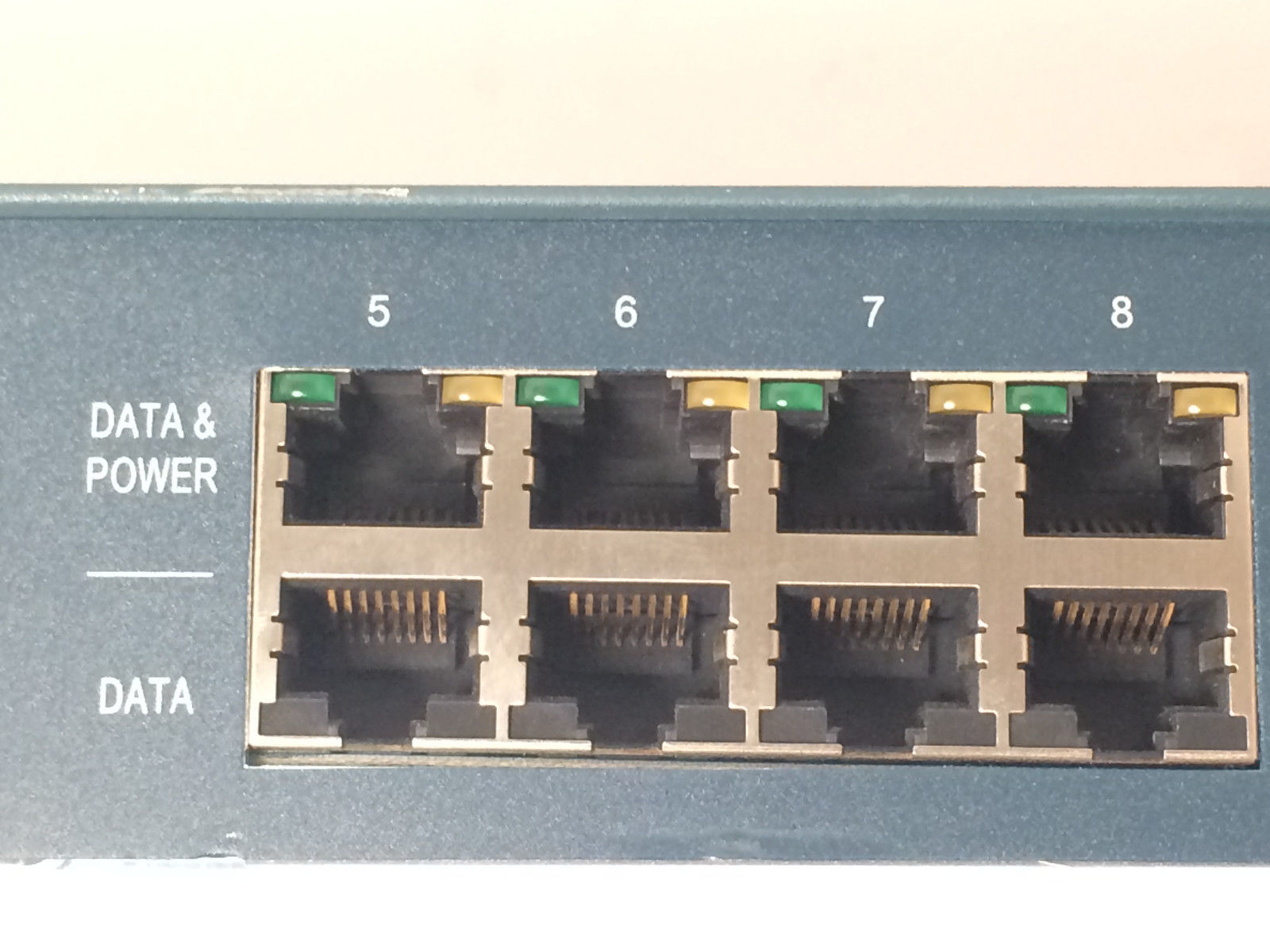 Xirrus Power over Ethernet Midspan XP8-MSI-70M POE576U-8UP-N-X-R sold for parts