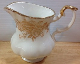 "Royal Albert Old Country Roses Gold Creamer 8 Oz 4"" Floral Fluted Hard T... - $56.09"