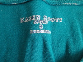Women's blue striped  v-neck knit shirt Size S by Karen Scott  MKS253 - $9.16