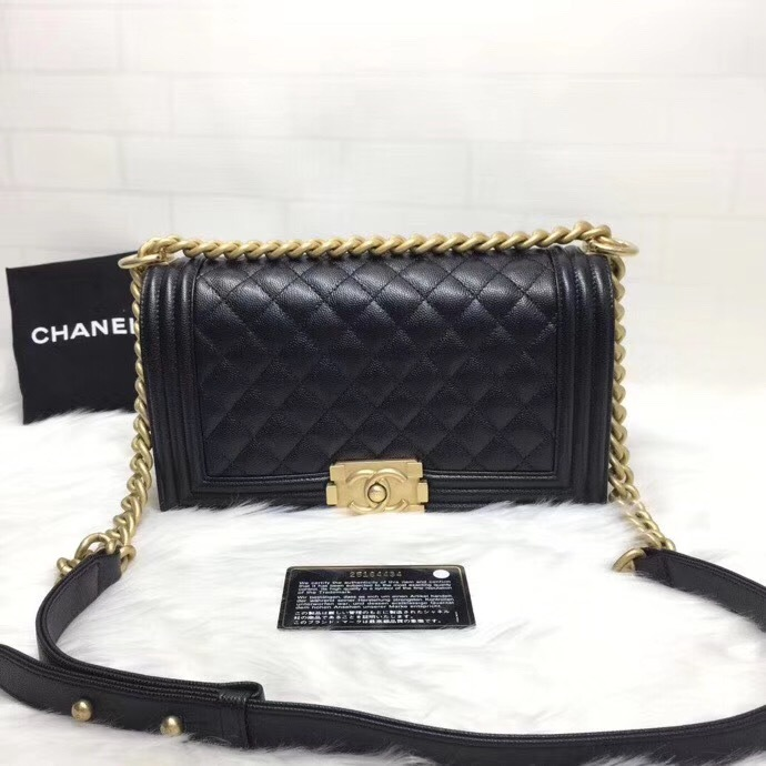 AUTH NEW CHANEL 2018 BLACK QUILTED CAVIAR LEATHER MEDIUM BOY FLAP BAG GHW