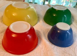 Vintage Pyrex Primary Colors Mixing Nesting 4 Bowl Set Mid Century - $125.00