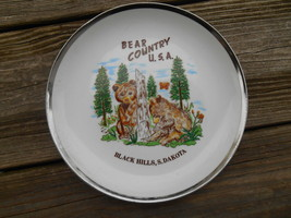 Old Vintage Souvenir Wall Plate Home Decor Bear Country Black Hills Sout... - $14.99