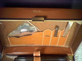 OLD SHAVING KIT FROM THE '40'S~~~SWANK~~ - $5.00
