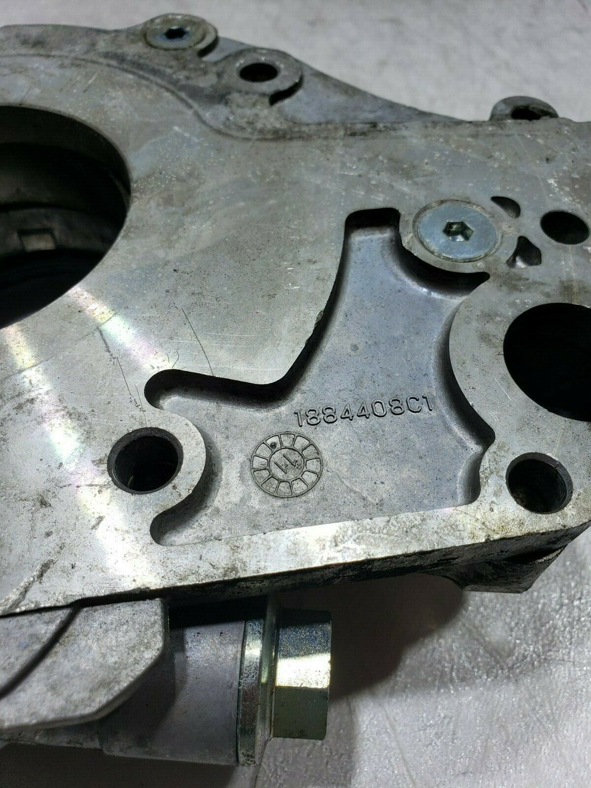 Front Cover Oil Pump LPOP Water Ford F250/F350 Powerstroke 6.0 1884409C1 image 5
