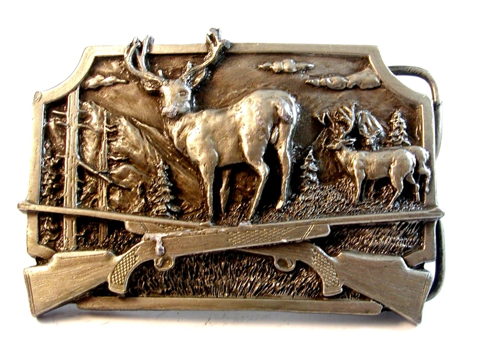 1982 Siskiyou Crossed Hunting Rifles Buck Deer Belt Buckle