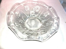"Vintage Iris & Herringbone Fluted 9"" bowl Jeanette - $21.24"