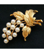 Vintage Crown TRIFARI Faux Pearl Floral Spray Brooch Pin - $44.95