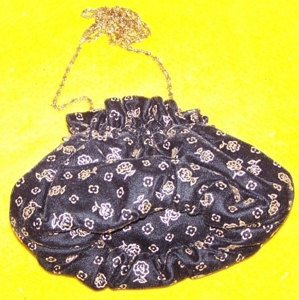 Purse blackflowers
