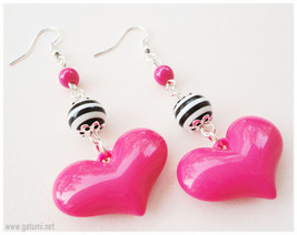 Oversized Beaded Fuschia Heart Earrings with Black and White Stripes in ... - $8.00