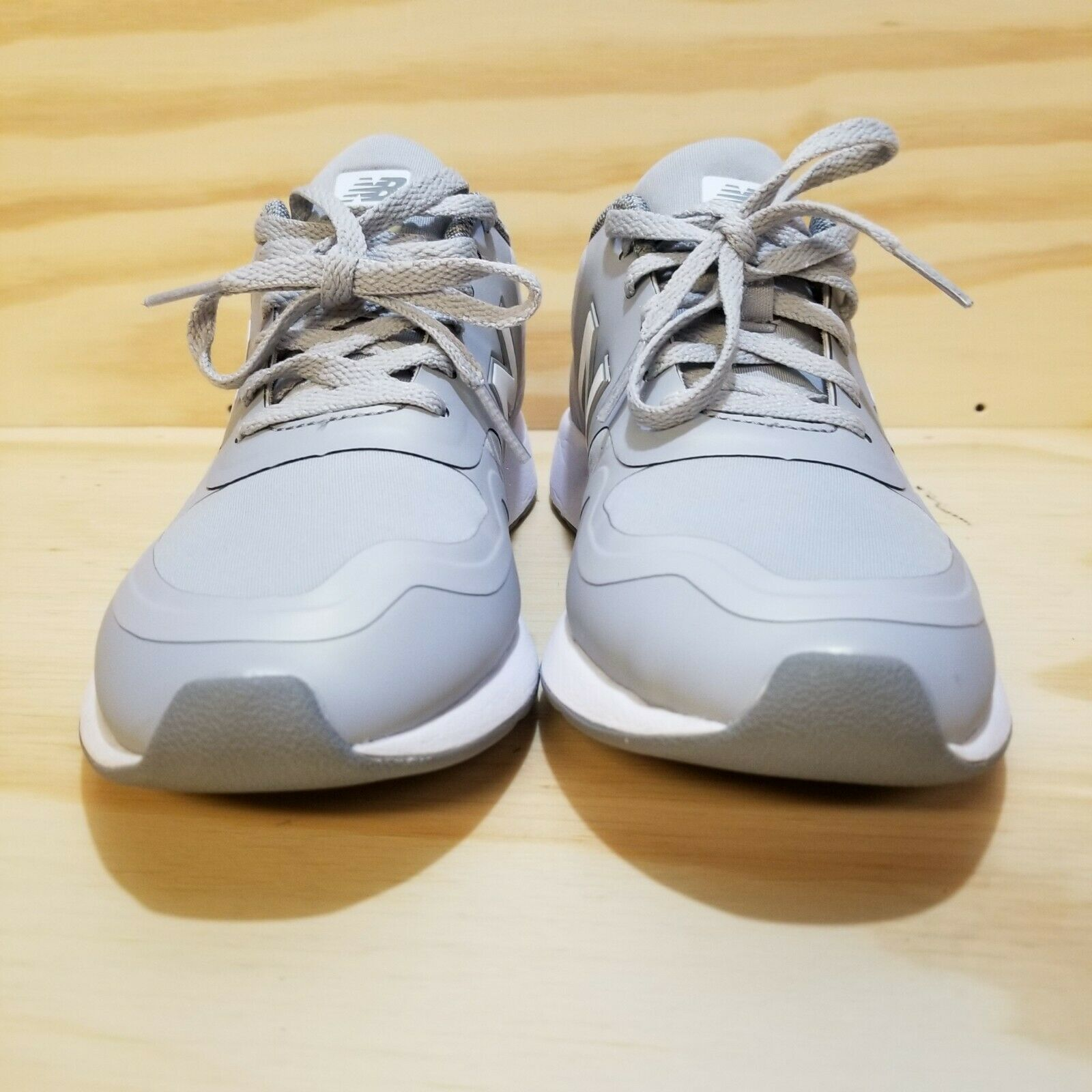 New Balance Womens WRL420 Sneakers Grey Shoe Size 8 White Laces