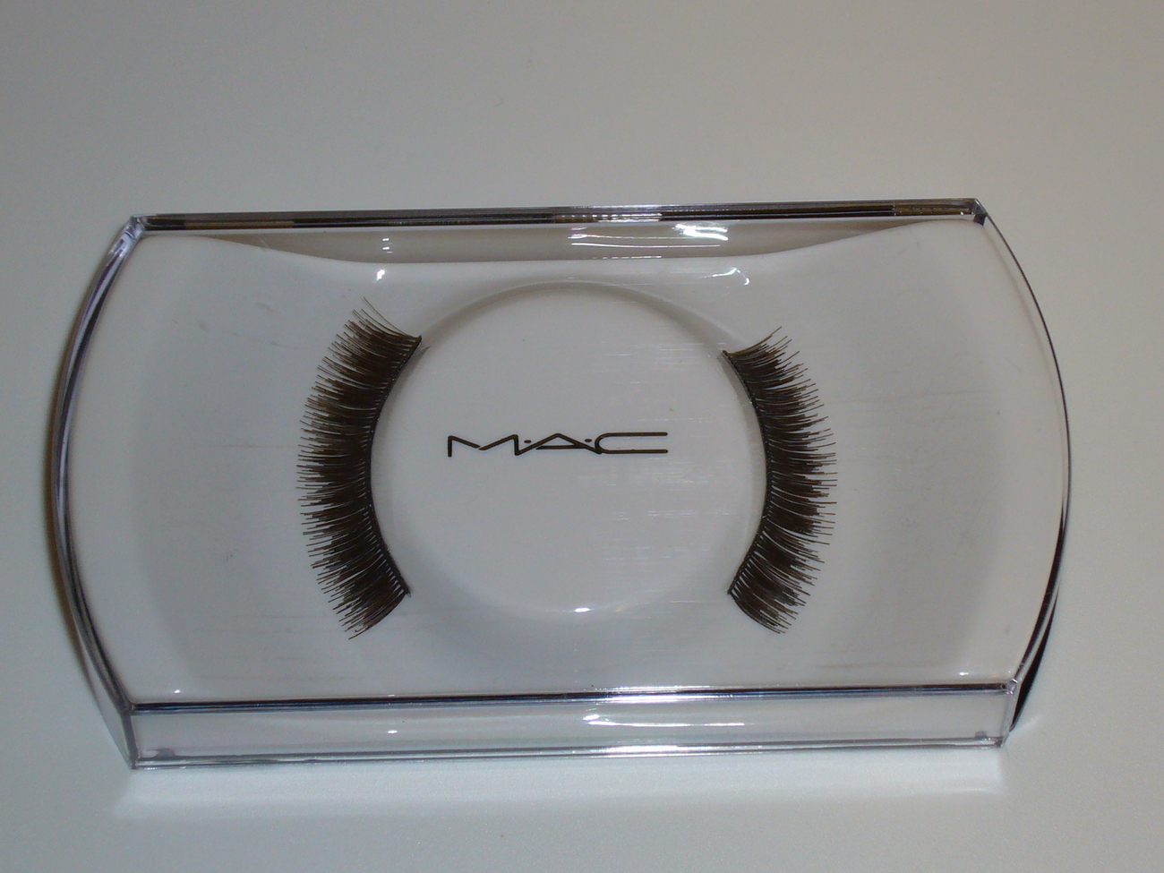 MAC Cosmetics False Eye Lashes 46 Full Volume Short Lash