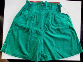 P. F. Too Corduroy Shorts Christmas Green Red Trim NWT Girl 10 1/2 Plus ... - $19.80