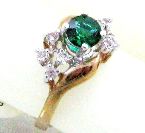 Primary image for VINTAGE 14K GP. Emerald crystal RHINESTONE COCKTAIL RING sz