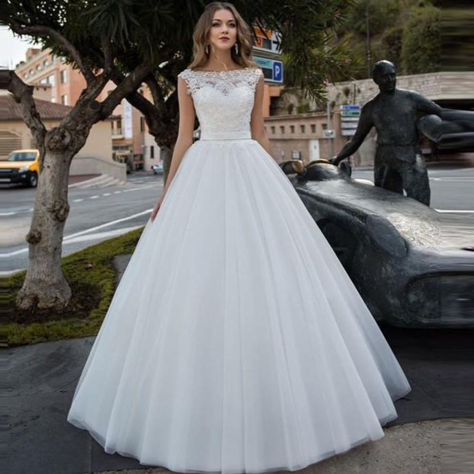 Scoop lace appliques ribbon wedding dresses with ribbon waist bridal gowns garden beautiful robe