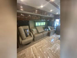 2018 FLEETWOOD DISCOVERY LXE 39F FOR SALE  image 8