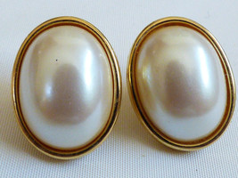 Vintage Gold tone metal White oval Pearl faux pierced earrings - $14.85