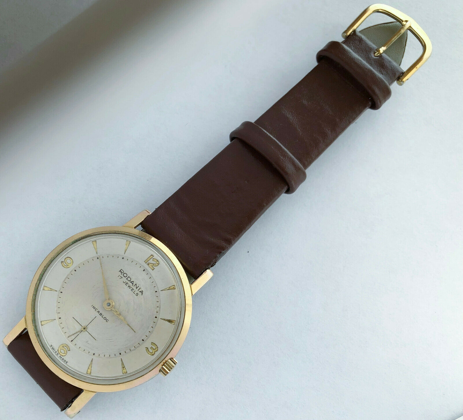 17 Swiss made Rodania Incbloc men's vintage wind up watch. image 2