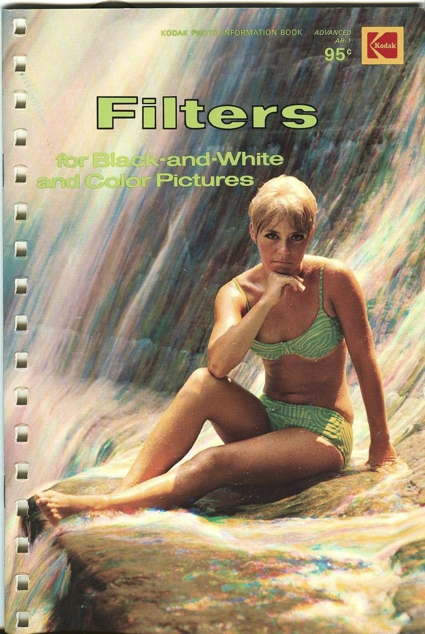 Kodak Graphic Arts Handbook binder-17-hole metal rings with (4) Kodak booklets