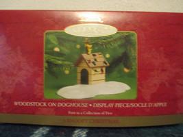 Hallmark Woodstock on Doghouse Display Piece A Snoopy Christmas 2000 - $9.99