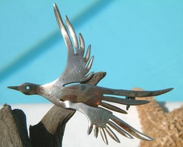 Vintage Sterling Silver Bird In Flight Modernist Abstract Pin Brooch - $24.95