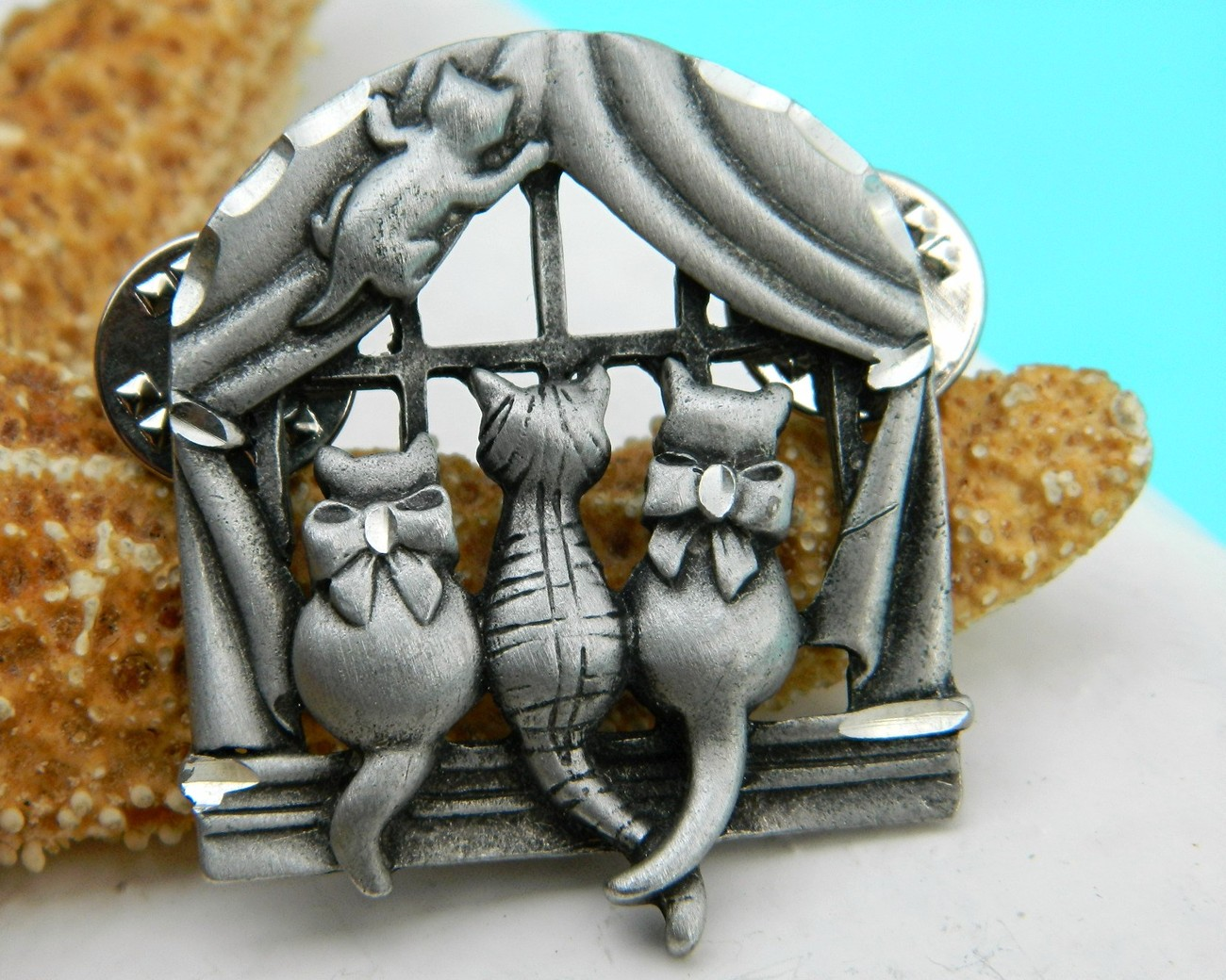 Vintage Cats Window Brooch Pin Pewter Clutch Back Fasteners