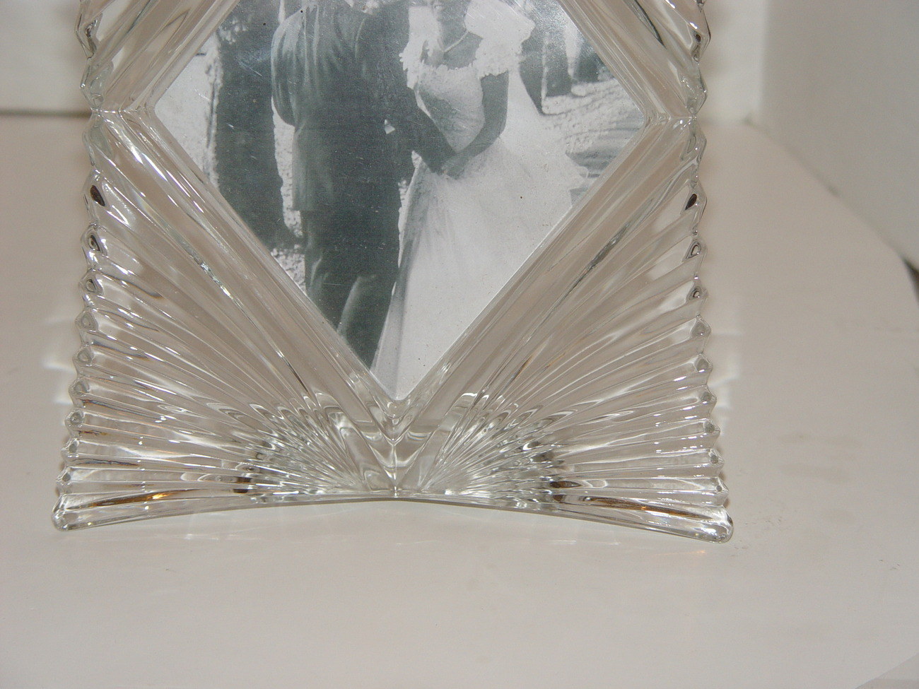 Mikasa Heavy Glass Starlet Picture Frame (Single Photo 5 x 7 inch)