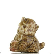 Wade Whimsies Red Rose Tea Canadian Series Kitten with Yarn image 1