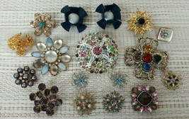 Vintage Lot of 17 STARBURST or SNOWFLAKE Brooch or Pins Jewelry Lot SPAR... - $47.45