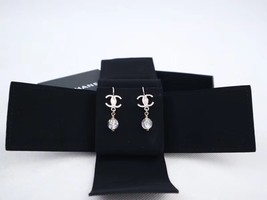 100% AUTH NEW CHANEL Silver CC Crystal Dangle Drop Earrings image 2