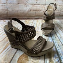UGG 1003074 ASSIA Womens Size 7.5 Woven Leather Brown Wedge Sandals Heel... - $28.49