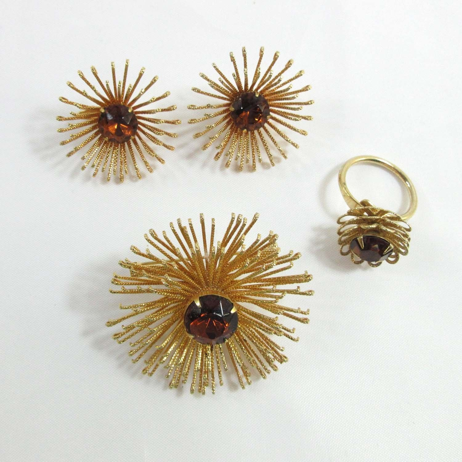 Brooch Ring Earrings Sarah Coventry Atomic Gold Rhinestones Set Flower 9265