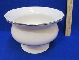 Ceramic Compote Bowl Bath & Body Works 1999 Holiday Edition White Gold T... - $12.86