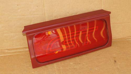 93-97 Ford Probe GT Heckblende Tail Light Center Reflector Lens Panel