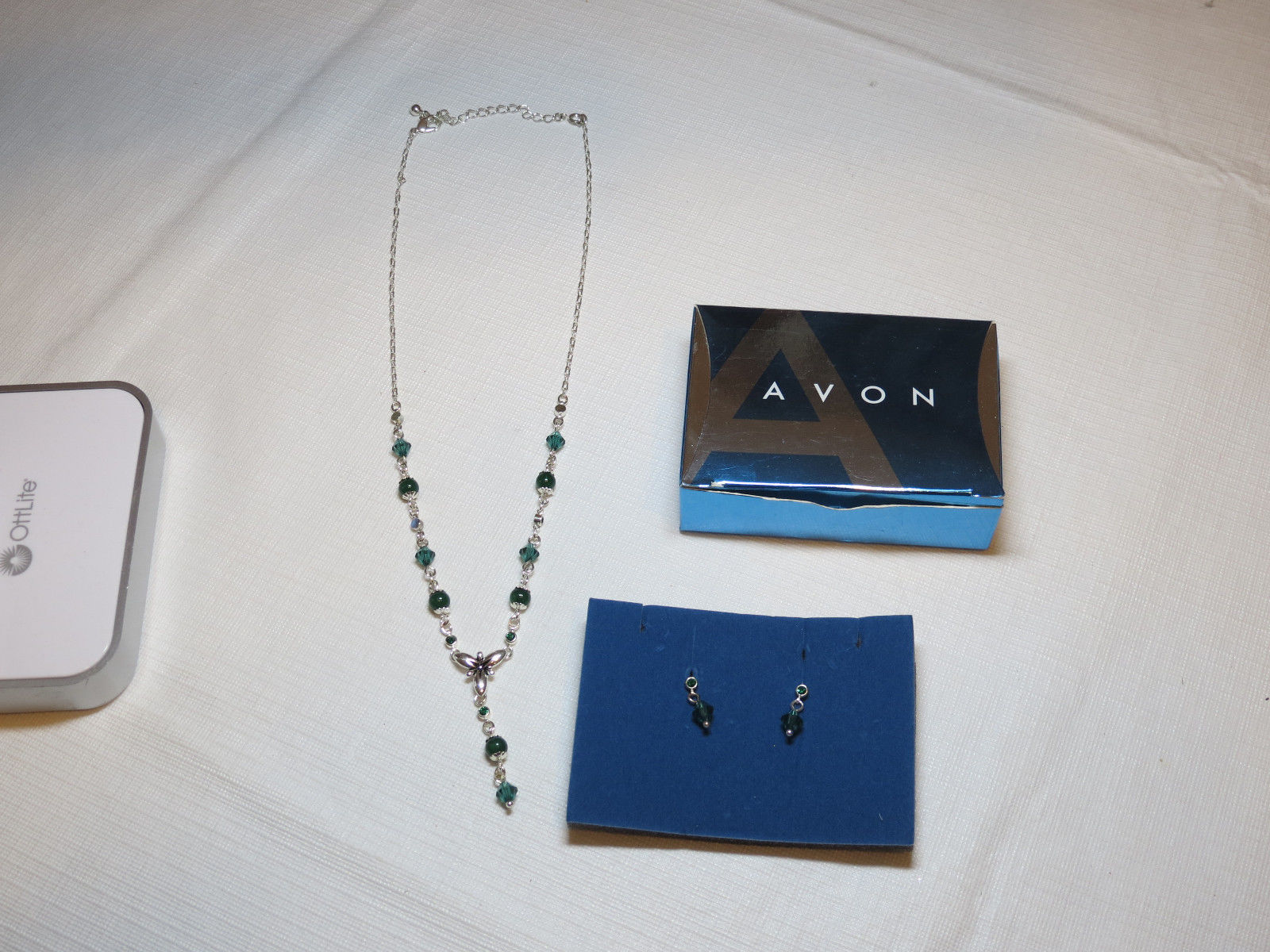 Womens Avon Shades of Brights Y Necklace & Earrings gift set grn F3194621 NIB;;