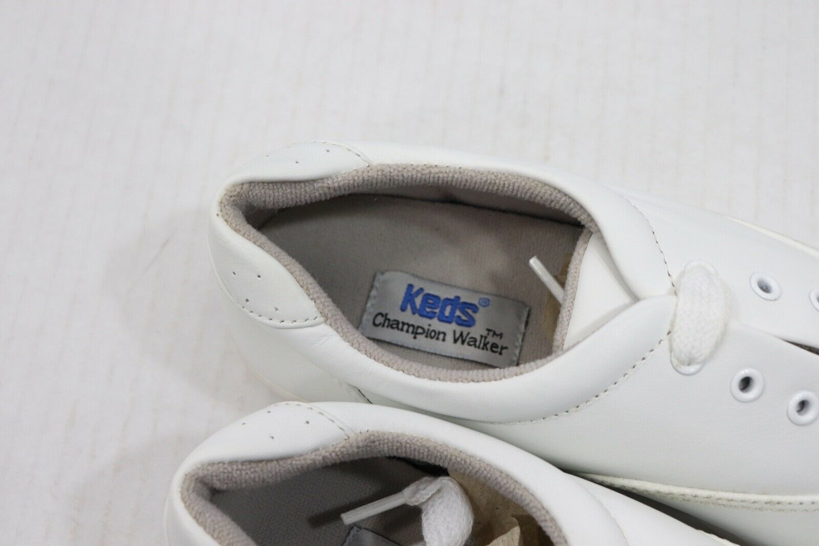 Vintage 90s Keds New Womens 7 M Champion Walker Lace Up Walking Shoes White