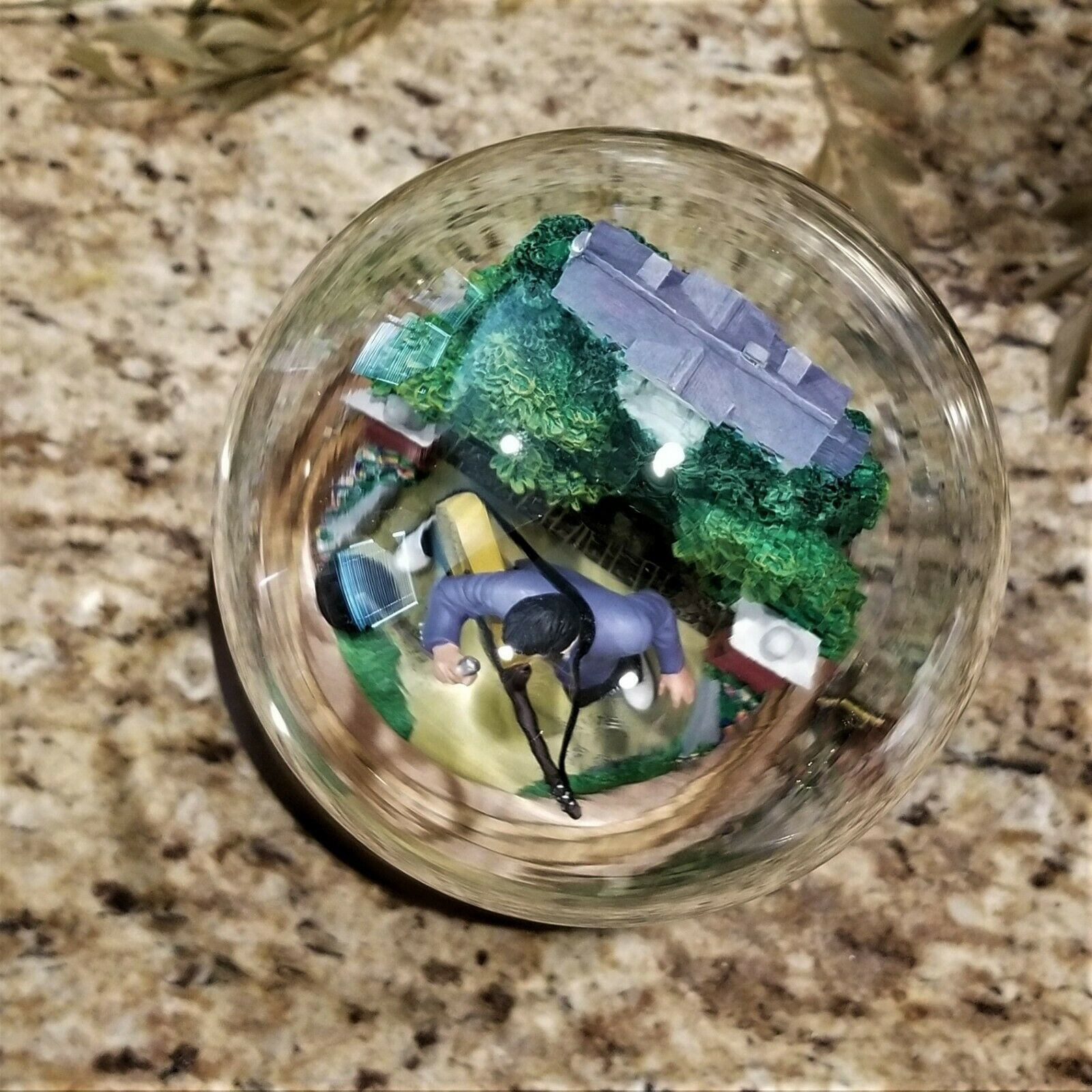 Franklin Mint Elvis Presley Graceland Love Me Tender Music Box Glass Dome Figure image 8