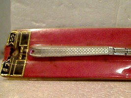 Vintage NIP Stylish 1960's (1962) Essex Ladie's Watch Band New In Package - $8.00