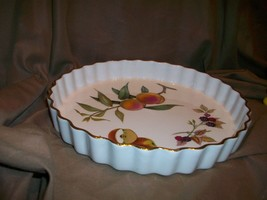 (IMPERFECT) ROYAL WORCESTER ENGLAND EVESHAM PIE QUICHE TART BAKING DISH - $17.81